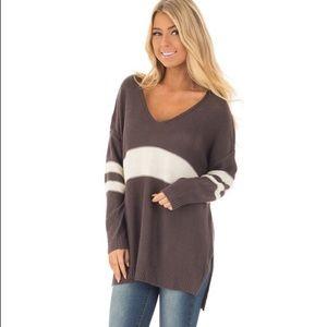 Sweaters - ▪️ Varsity vneck knit sweater